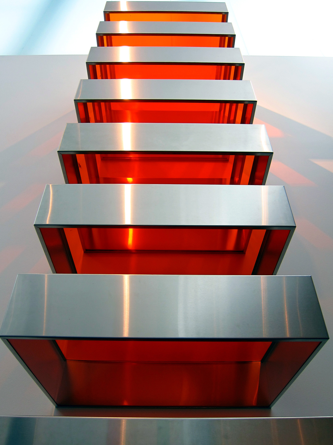 Penccil donald judd sculptures for Minimal art opere