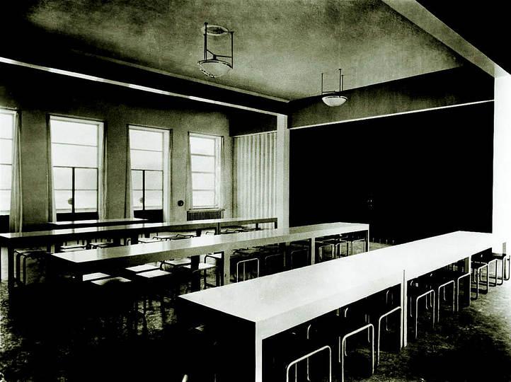 canteen at the bauhaus dessau 1926. Black Bedroom Furniture Sets. Home Design Ideas