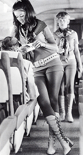 U_1430_266574825010_tech_luggage_pan_am_stewardess_golden_age_air_travel_AA_01_01a.jpg