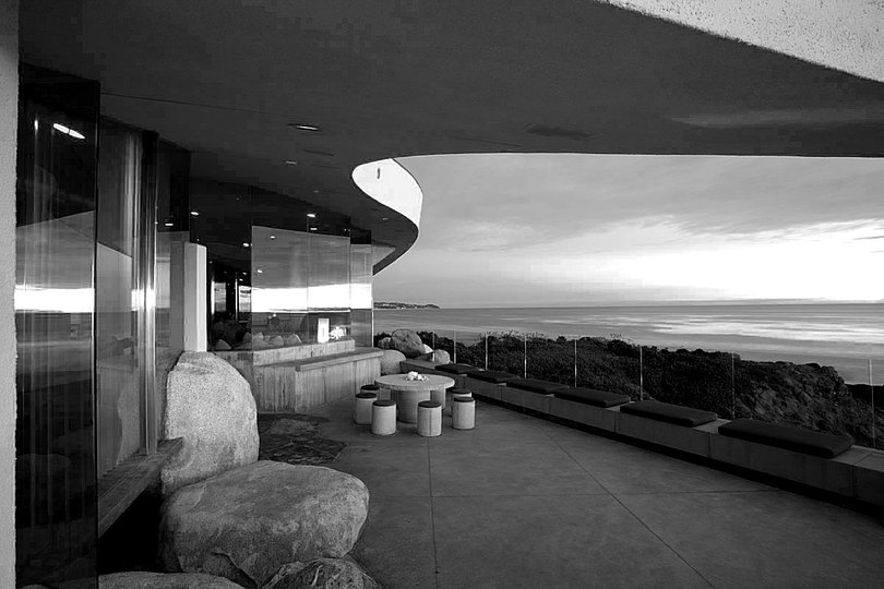 John Lautner: One of Lautner's grandest designs rose above Acapulco Bay in Mexico, where in 1973 the architect built a 25,000-square-foot home that seemed to float above the water. The Arango residence, also called Marbrisa, included an expansive open-air terrace with bedrooms on the level below.