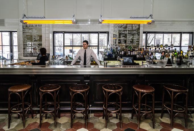 Arredamento Industriale Vintage Roma: Industrial style bistro in ...