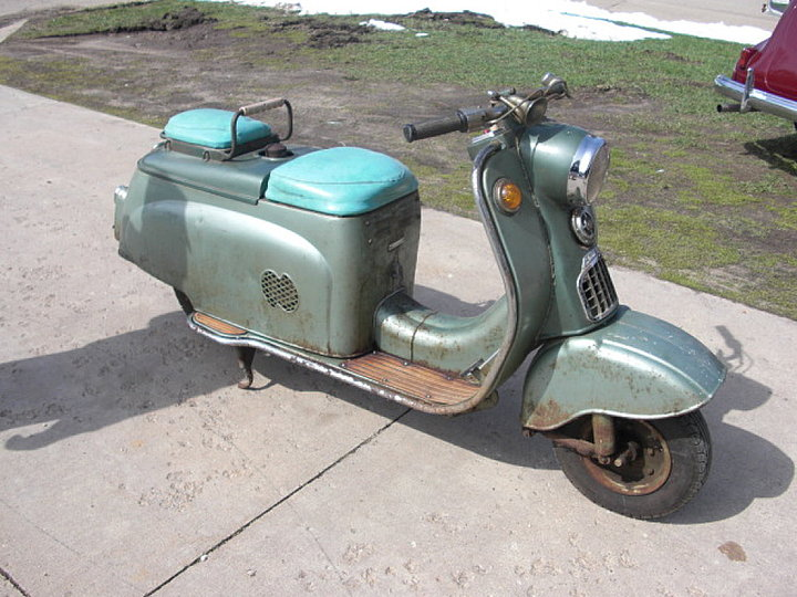 The fifties saw a whole slew of extravagant scooter for Garage reparation scooter