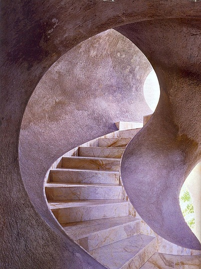 Palais Bulles and Antti Lovag: