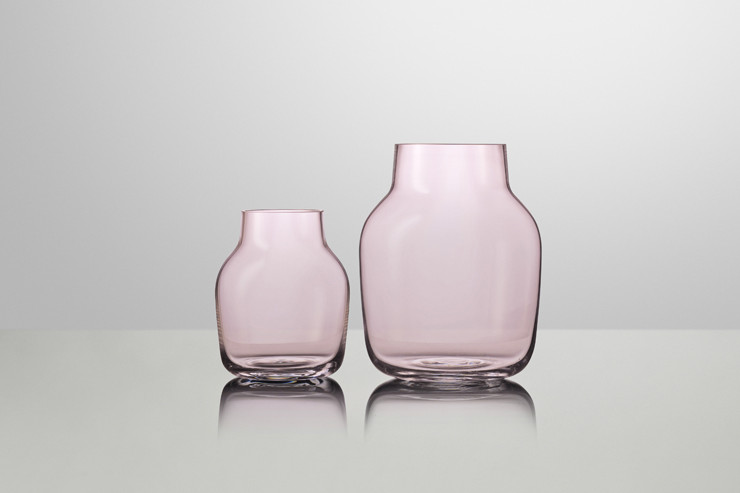 Same Same But Different: Silent is about reducing a vase to it's most simple expression. It is the shape of the vase that is in focus and adds character to the vase. The serene design gives you a timeless vase - that is 100% hand made.