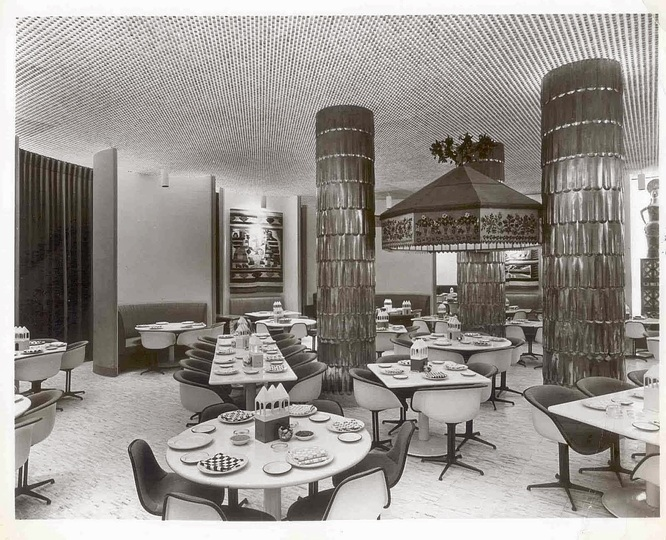 U_40_368107618381_La_fonda_chair_1961_to_create_a_restaurant_interior_in_the_new_TimeLife_Building.jpg