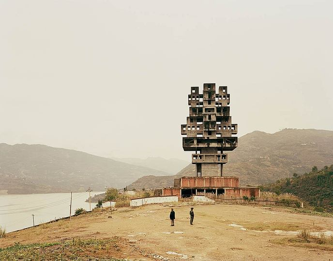 The 2015 best of penccil: Israeli photographer Nadav Kander traveled to China in between 2005 to 2007 to travel along the Yangze river, documenting the transformation of the landscape around China's most famed river in the wake of its new economic imperatives.  http://www.penccil.com/gallery.php?p=223521879259