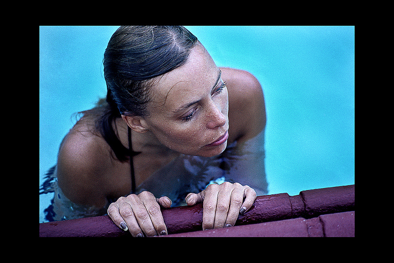 U_45_519504092949_Joni_Mitchell1975PoolF2A.jpg