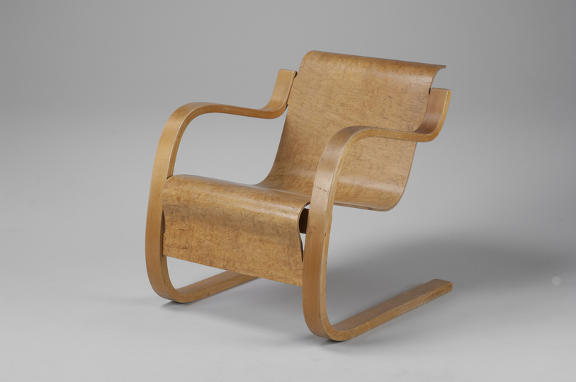 18 classic chairs: Armchair by Alvar Alto, 1930s. Jacksons Collection.