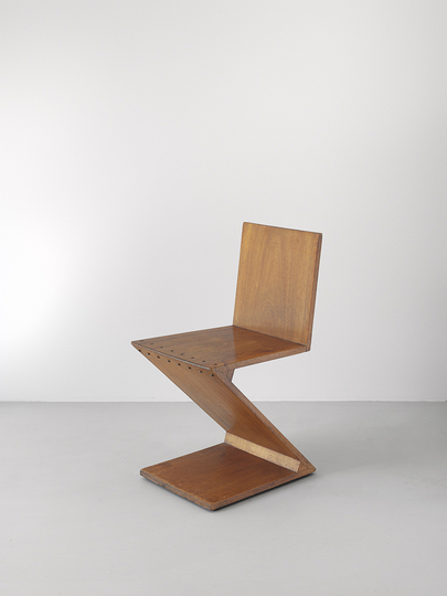 18 classic chairs: Zigzag chair by Gerrit Rietvelt, 1932.