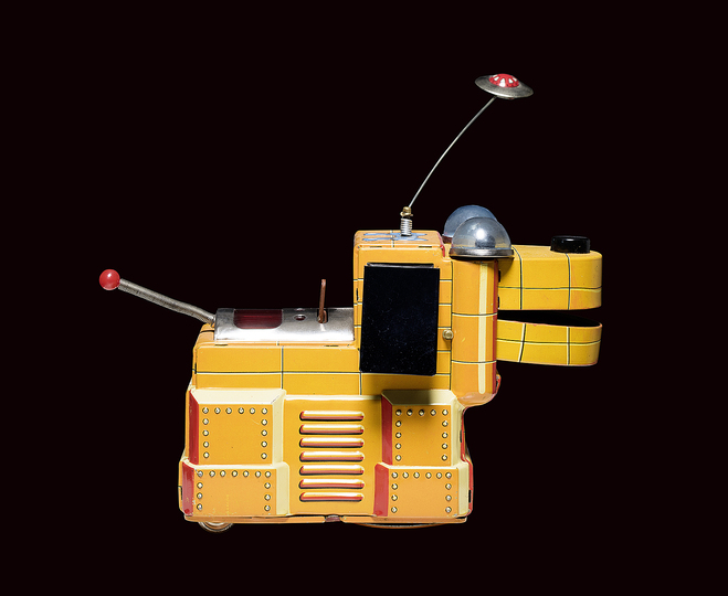 Black Box. A Cabinet of Robotic Curiosities: Magic Space Dog, Yoshiya, Japan, 1958, 15 cm, collection Rolf Fehlbaum, Photo: Moritz Herzog