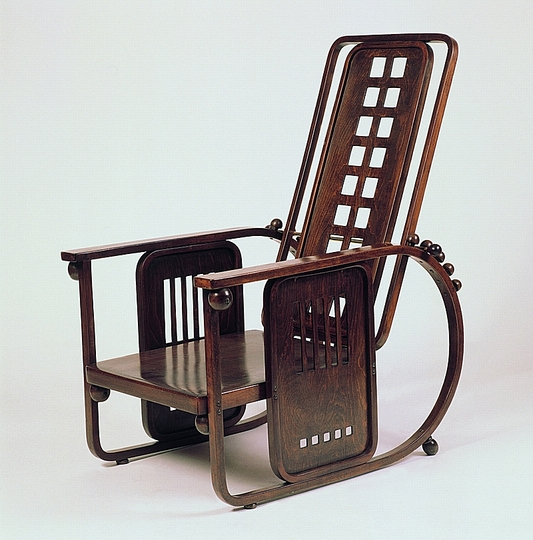 18 classic chairs: Sitzmaschine Armchair by Josef_Hoffmann, ca 1908. Jacksons Collection.