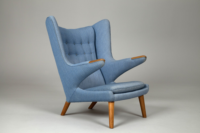 18 classic chairs: Papa Bear Armchair by Hans_J.Wegner, 1950s. Jackson Collection.