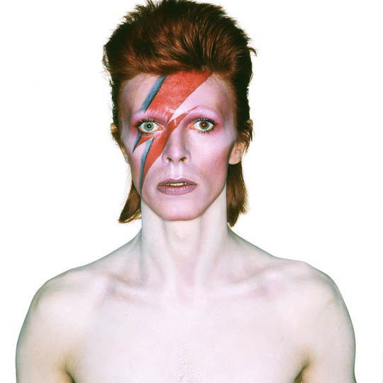 U_48_811096607790_Album_cover_shoot_for_Aladdin_Sane_1973_Photo_Duffy__The_David_Bowie_Archive_and_under_license_from_Chris_Duffy_Duffy_Archive_Limited..jpg