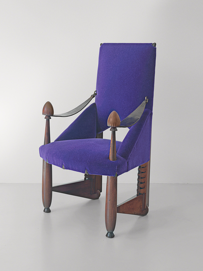 18 classic chairs: Dining Chair by Michel de Klerk, 1917. Jacksons Collection.