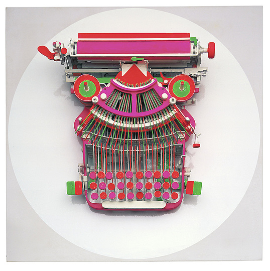 German Pop: Manfred Kuttner,  Schreibmaschine (Typewriter), 1963,Typewriter, painted with fluorescent tempera paint, installed on wood 57.8 x 57.8 x 18.7 cm. Stiftung Museum Kunstpalast, Düsseldorf Inv.-Nr. 0.1996.8 Photo: Andreas Hirsch © Estate Manfred Kuttner