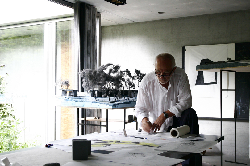 Architectural Models by Peter Zumthor: Architect Peter Zumthor at work © Atelier Peter Zumthor & Partner