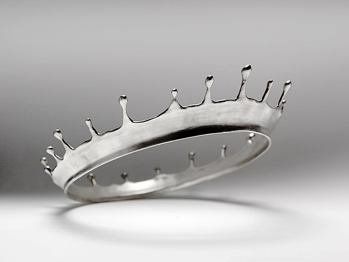 Marcel: Marcel Wanders, Corona de Agua (prototype), crown for Máxima, 2001  Polished silver, collection of Stedelijk Museum's Hertogenbosch.