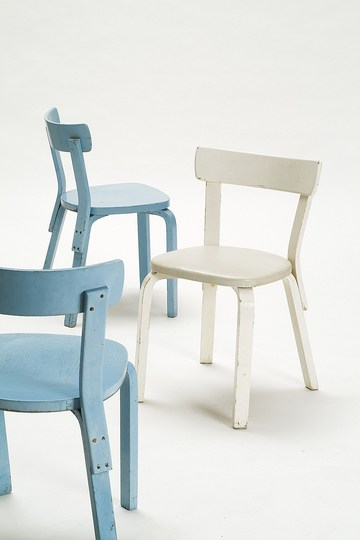 Alvar Aalto furniture: Chair No 69.