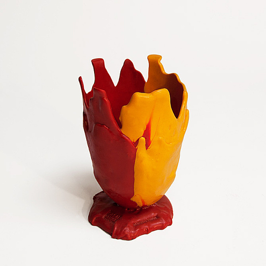 A new way of seeing: Gaetano Pesce, vase