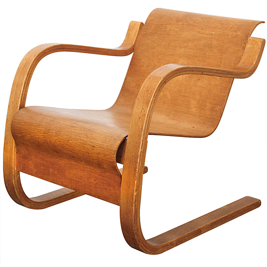Alvar Aalto furniture: Cantilever Chair No 31.
