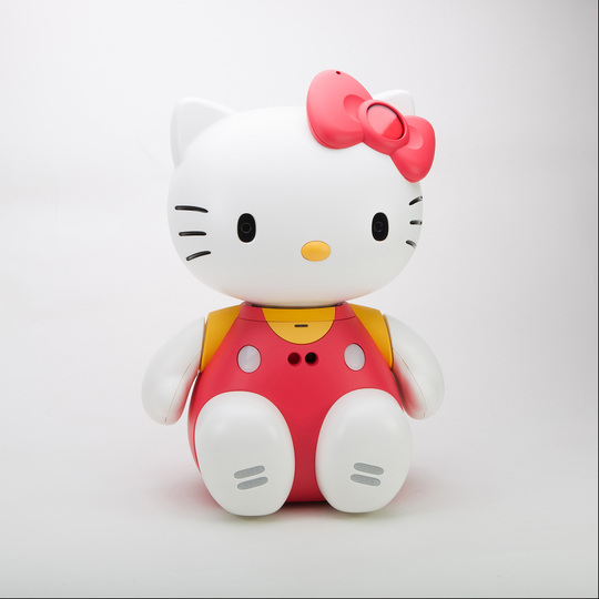 Hello Kitty Culture: Hello Kitty Robot 2004. Photo Credit: Japanese American National Museum