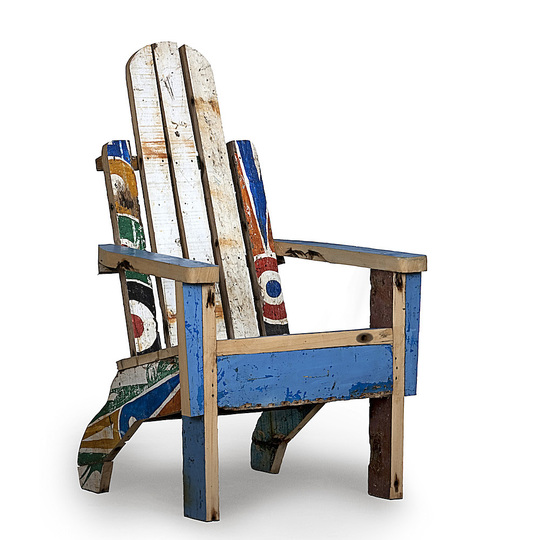 Upcycled: Ramón Llonch/Artlantique, Palmarin armchair, 2014, Recycled wood from pirogues, H 110 x W 60 x D 56 cm, Galería Out of Africa, Spain, © Ramón Llonch, photo: Joël Ventura García