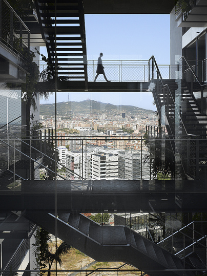 Best Highrises 2014/15: Renaissance Barcelona Fira Hotel, Barcelona Architects: Ateliers Jean Nouvel, Paris, and RIBAS & RIBAS Arquitectos, Barcelona. Developer: Hoteles Catalonia © Photo: Roland Halbe